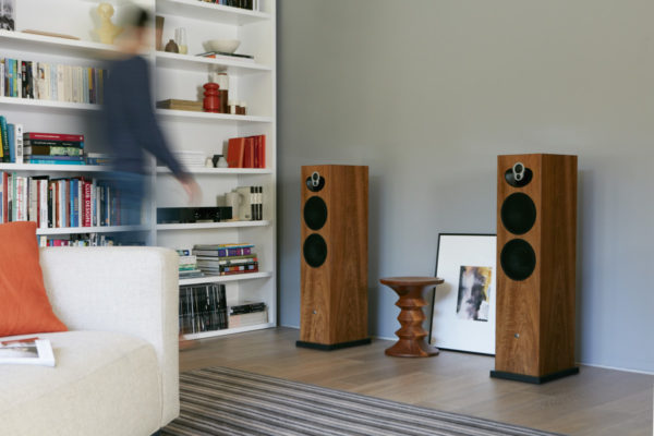 Linn Majik 140 High End Lautsprecher Boxen Kirschholz von vorne - High End Audio